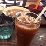 京華 - 食べ終わった後サービスのアイスコーヒー
