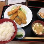 晴美 - フライ盛合せ定食(1300円)