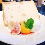 96059377 - フワフワ!白いシフォンケーキ
