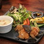 ルビノ カフェ - 料理写真:ランチ(チキン)