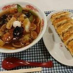 大盛軒 - 料理写真:少なめ広東麺と餃子セットです