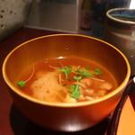 八重洲 とよだ - なめこ、豆腐、貝割菜の味噌汁