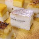 八竹 - 大阪鮓、小鯛