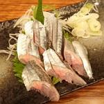磯吉 - 秋刀魚刺身(半身)