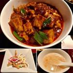 96078131 - 麻婆豆腐は本格的で美味かった❗️(^^)v                       かなり花山椒も効いてかなり痺れます(笑)                       スープと和え物付き