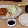 とんかつキッチンむらかみ - 料理写真:特大とんかつ+ライス+赤だし
