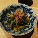 さやま - 水菜と茸の煮浸し、イクラ入り