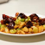 登龍 - 『四川名物角切り鶏肉の辛し炒め』 2800円で、ランチは、ライス、フカヒレスープ、ザーサイ付き