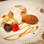 96089477 - キャラメルフレンチトーストと旬のフルーツ ダークチョコレートジェラート