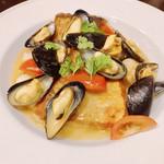 ヴィニュロン - 『鮮魚のポワレとモンサンミッシェルムール貝のアイゴブリード』様