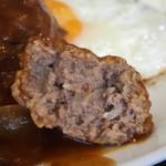 淀ヤ食堂 - ハンバーグと海老フライの定食(ハンバーグは肉汁もたっぷり)