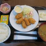 96097107 - カキフライ定食 880円(税込)