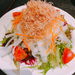 赤身肉専門 焼肉 牛進 - 地場野菜のサラダ