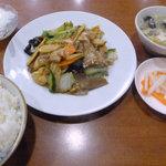 9610591 - 八宝菜の定食