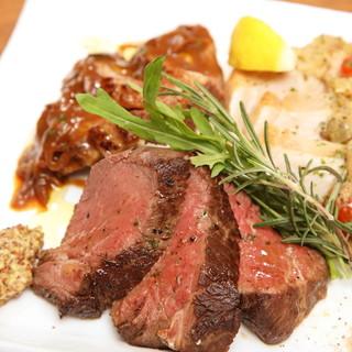 お腹も心も満たされる、こだわりのお肉料理は注文必至!