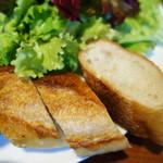 エピドール - パンはエピドールのバゲットです。