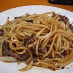 長谷川 - 焼そば定食(焼そば:ソースをかけて混ぜる)