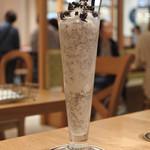 BARBARA GOOD SWEETS TABLE - チョコチップミルクセーキ¥880税別