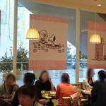 BARBARA GOOD SWEETS TABLE - ピンク色でコーディネート