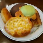 シャンテーコジマ - 菓子パンの数々