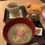 shop×cafe - イートイン。季節のぜんざいはさつま芋でした。加賀棒茶付き。