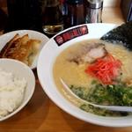 らーめん処 麺道蘭 - 料理写真:『とんこつラーメン』