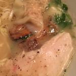 96141423 - チャーシュー 鶏 豚 2種 ブタさんは炙ってくれる