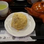 甘味喫茶 岡西 - (2018/9月)おはぎ(きな粉)と煎茶セット