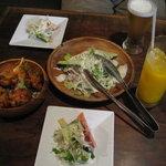 BLISS - 前菜サラダ チキンティッカ