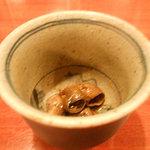 浅七 - 品切れの多い「穴子の肝煮」
