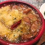 ワイン食堂 Marugo - じゃがいもとチョリソーのアヒージョ(790円・税別)