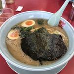 ラーメン山岡家 - 料理写真:醤油ラーメン中盛(¥770)+クーポン味玉