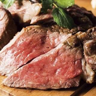 備長炭の遠赤外線でじっくり炙った至極の肉バル料理