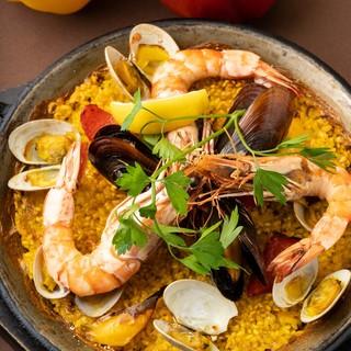 厳選した食材のスペイン料理とスパニッシュワイン