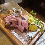 ビストリア - 肉レンガ(部位:トモサンカク)