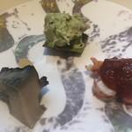 96173284 - 鮑と車海老、アボカドと、蟹の和えもの