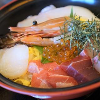 食彩 ごえん - 料理写真:海鮮丼1400円