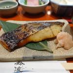 鈴波  - 食べごたえのあるサイズの鰆の粕漬け焼き