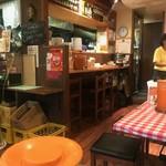 東銀座のタイ国屋台食堂 ソイナナ - 店内