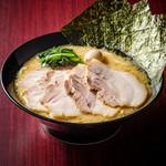 横浜家系ラーメン 町田商店 マックス - チャーシュー麺