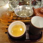 神戸岩茶荘 - 自分に合ったお茶を選んでくれます