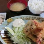 えびせい - 海老とアジフライ定食
