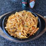 珈琲待夢 - 料理写真:イタリアンスパゲティ(鉄板でアツアツで出てきます)