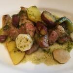 96194623 - 肉厚な豚肩ロースや秋らしい様々なお芋に、爽やかな香りのバジルソースが合う!