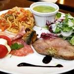 カフェ ド ラパン - ディナー:贅沢ワンプレート(三元豚のローストポーク)