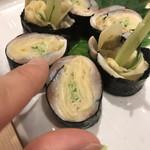北海寿司 うに丸 - 小肌がり巻き。一口の可愛いサイズ♪