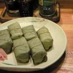 かやの木 - 柿の葉寿司(鮭とサバ)