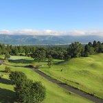 阿蘇リゾート グランヴィリオホテルゴルフ場 - アーノルドパーマーが設計したこのゴルフ場のコースは大きくうねったフェアウェイと複雑なアンジュレーションのグリーンが特徴のゴルフ場です。