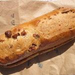 パンと喫茶 松波 - ナッツパンキャラメル