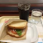 ドトールコーヒーショップ - モーニングセット(あつあつハムチーズとアイスコーヒー)